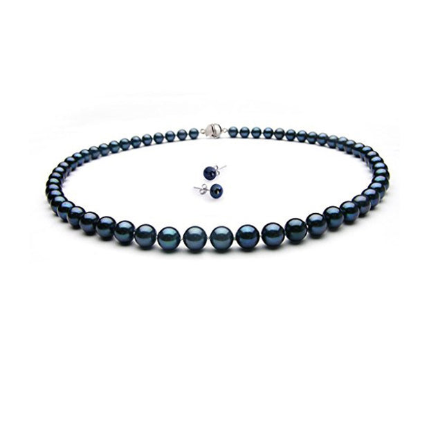 Black pearl necklace with earrings