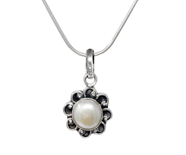 Freshwater White Pearl and Silver Pendant & Earrings Set