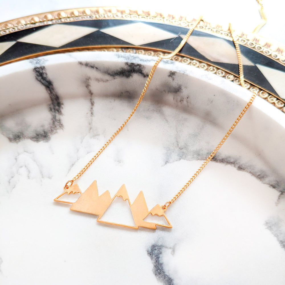 Mountains Necklace Gold / Silver