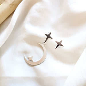 Load image into Gallery viewer, Star and Moon Studs Earrings silver