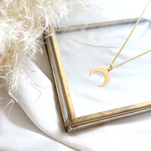 Crescent Moon Necklace gold - Celestial Necklace