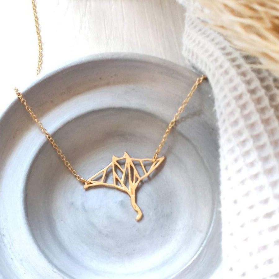 Origami manta ray fish necklace Gold / Silver