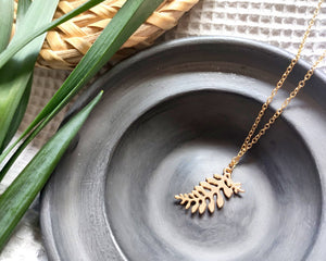 Tiny leaf necklace Gold - Shany Design Studio Jewellery Shop