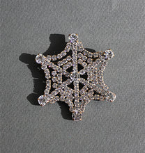 Load image into Gallery viewer, Art Deco Spiderweb Brooch