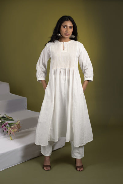 White kurta set with Yellow dupatta