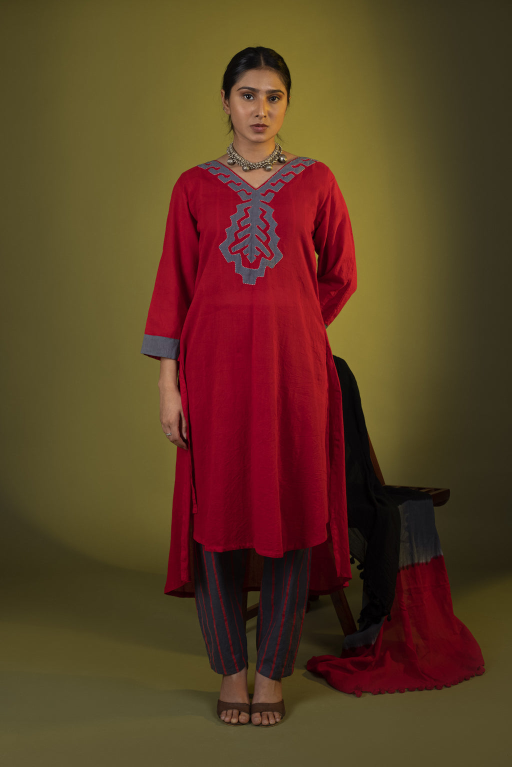 Red Grey applique kurta with crop top and pants