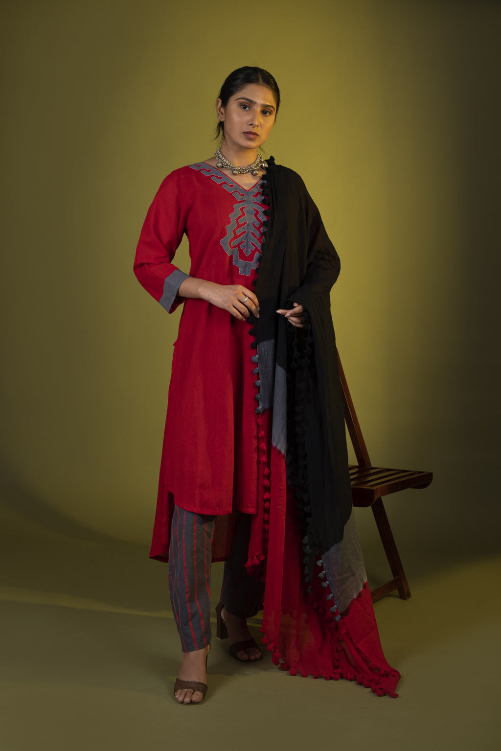 Red Grey applique kurta with crop top, pants and dupatta