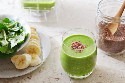 SPINACH BANANA FLAXSEED SMOOTHIE