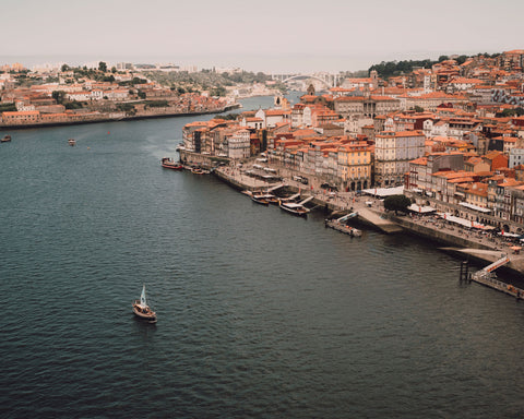 Travelling to Porto, on the banks of the Douro River