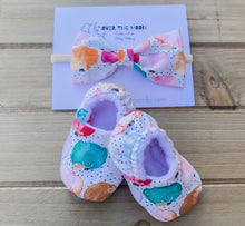 Load image into Gallery viewer, Little Pumpkin Elastic Baby Shoe & Bow Set