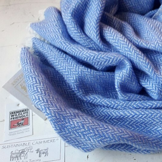 Fiamma 100% CASHMERE STOLE OUT OF STOCK UNTIL SEPTEMBER 2018