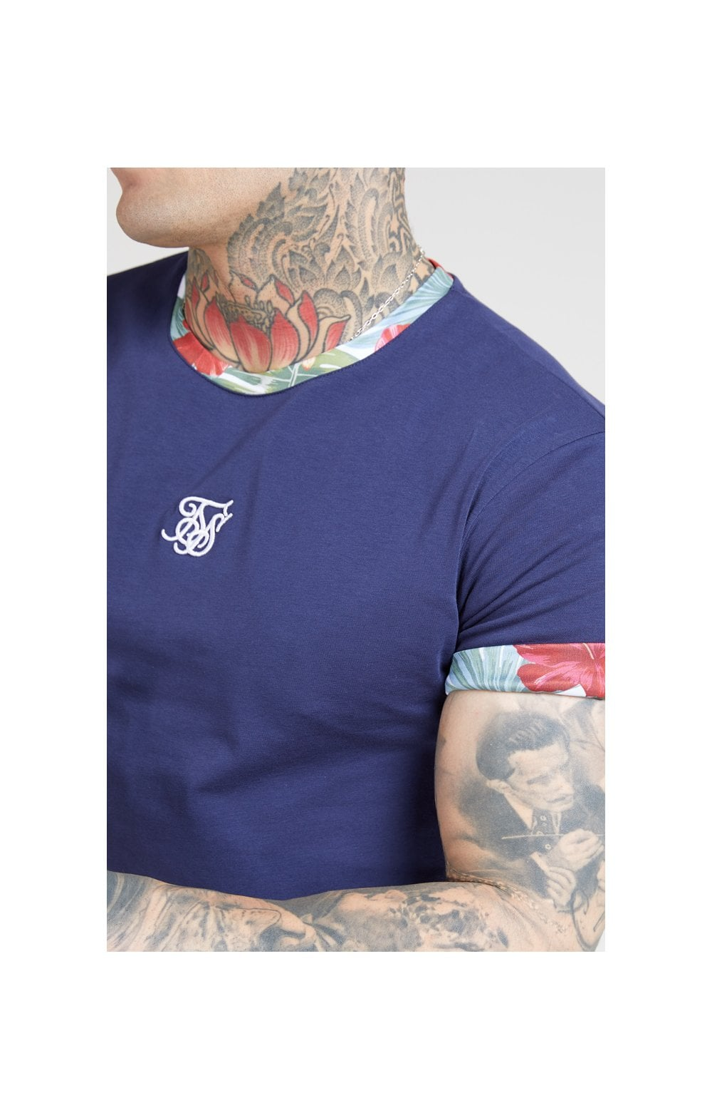 Charger l'image dans la galerie, SikSilk S/S Curved Hem Roll Sleeve Tee – Navy (1)