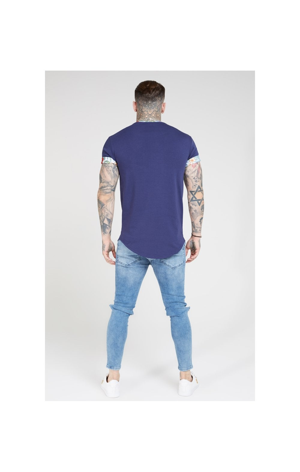 Charger l'image dans la galerie, SikSilk S/S Curved Hem Roll Sleeve Tee – Navy (4)