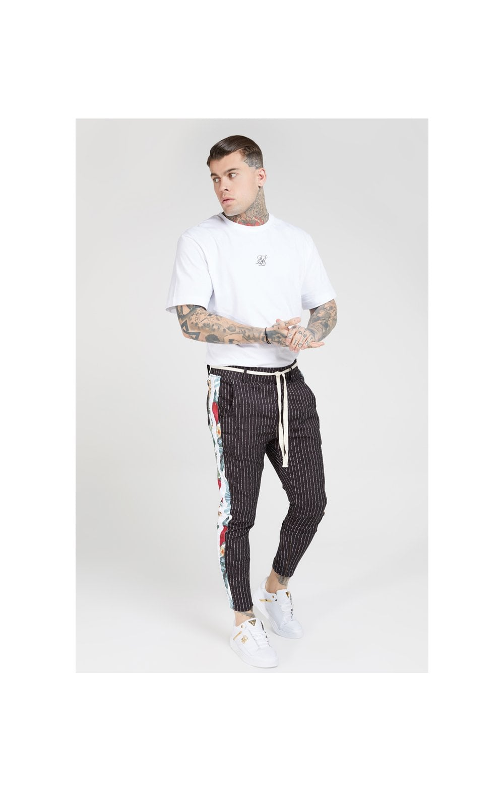 Charger l'image dans la galerie, SikSilk Pleated Drop Crotch Tape Pants – Navy Pin Stripe (5)