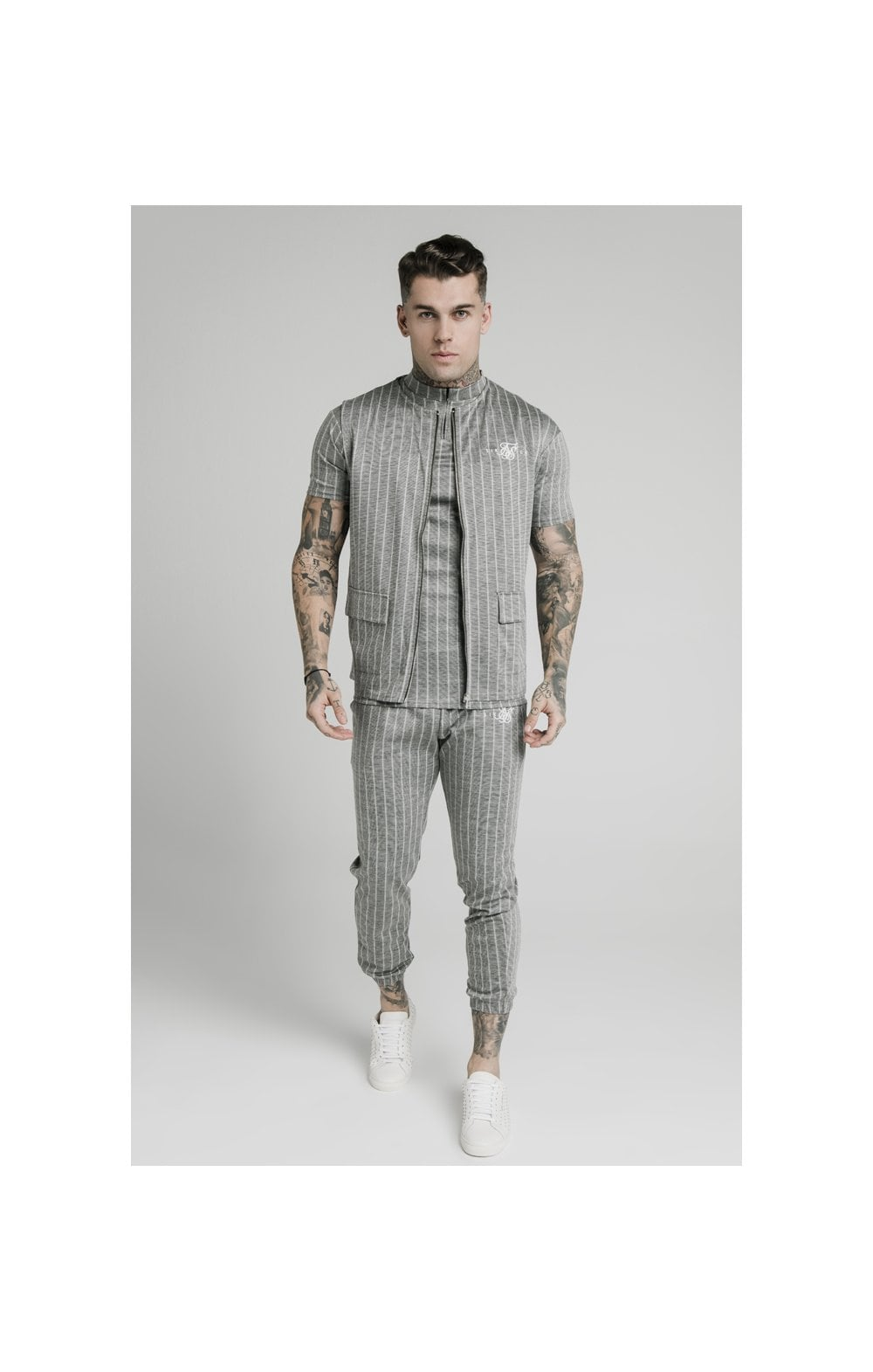 Charger l'image dans la galerie, SikSilk Smart Wear Vest - Grey Pin Stripe (4)