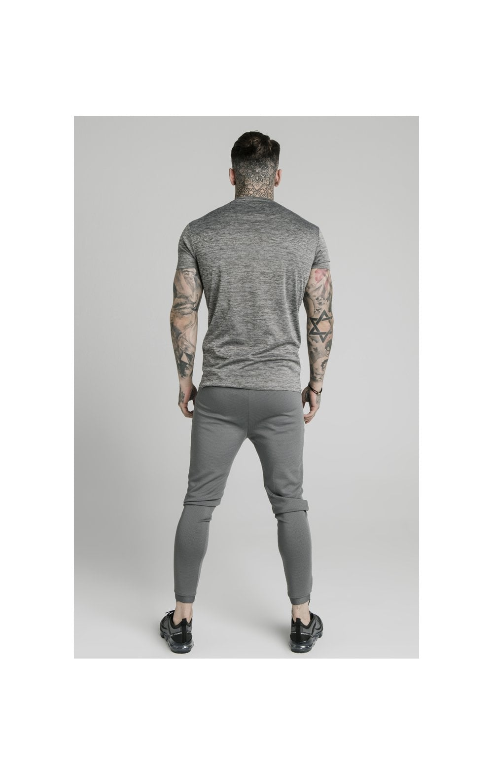 Charger l'image dans la galerie, SikSilk Active Straight Hem Gym Tee - Grey Marl (4)