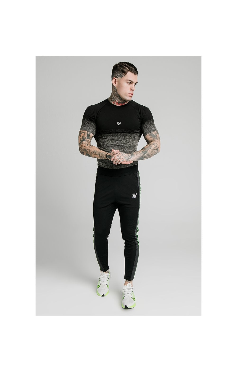 Charger l'image dans la galerie, SikSilk Fade Compression Tee - Black & Grey (2)