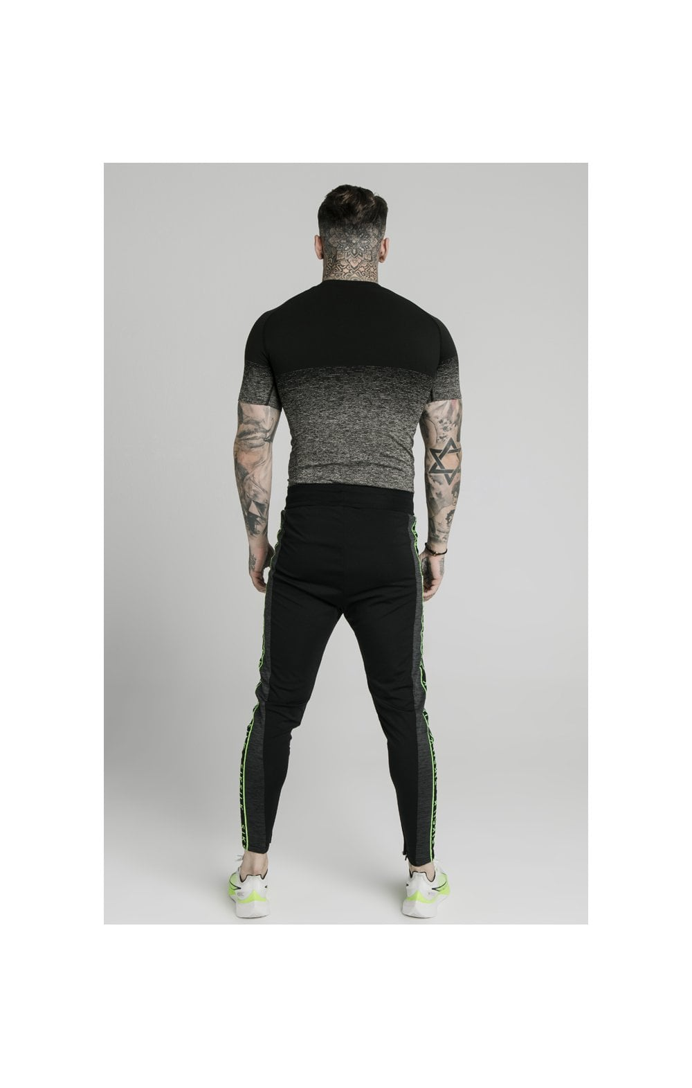 Charger l'image dans la galerie, SikSilk Fade Compression Tee - Black & Grey (4)