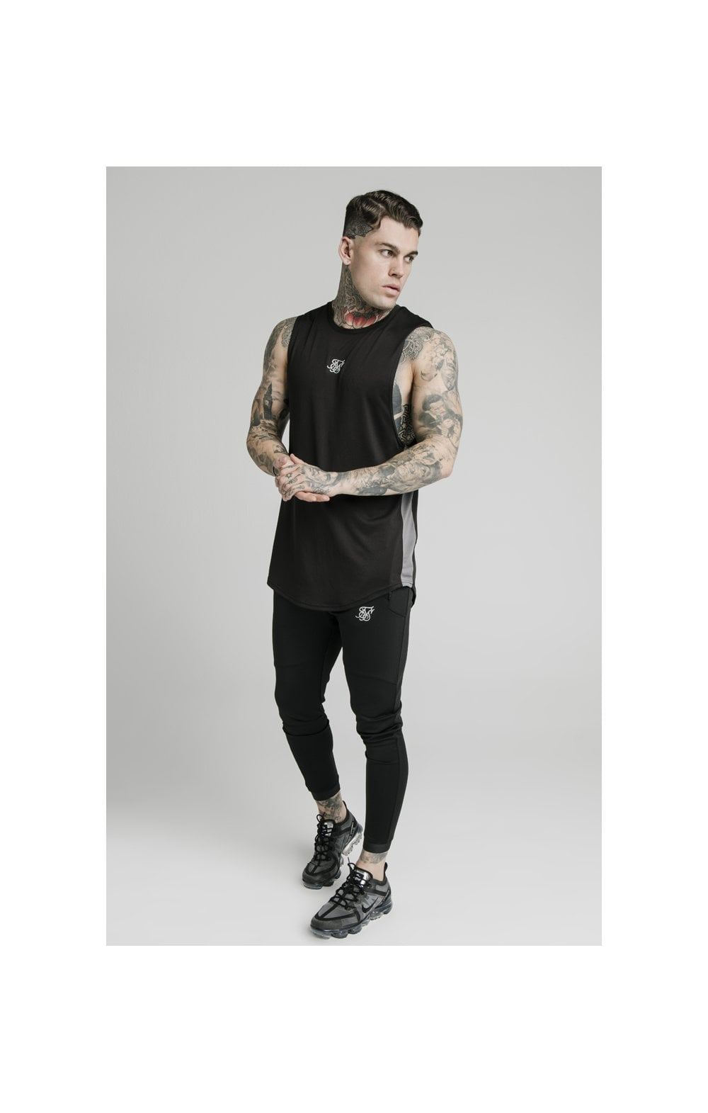 Charger l'image dans la galerie, SikSilk Active Poly Sports Vest - Black (3)