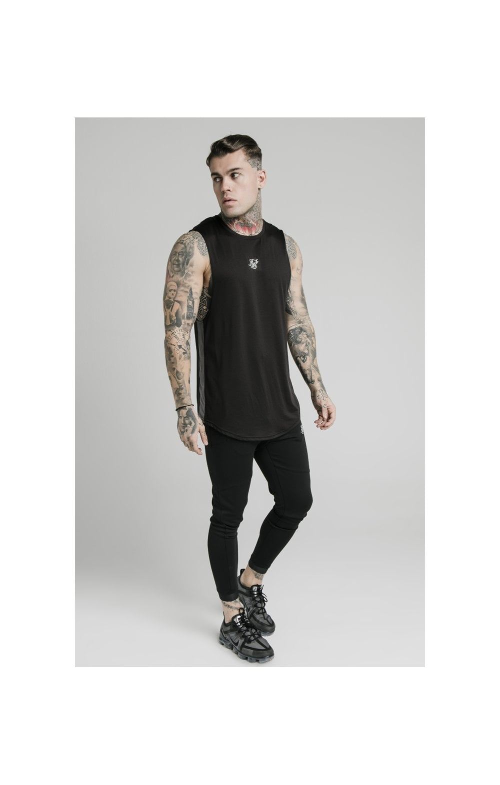 Charger l'image dans la galerie, SikSilk Active Poly Sports Vest - Black (4)
