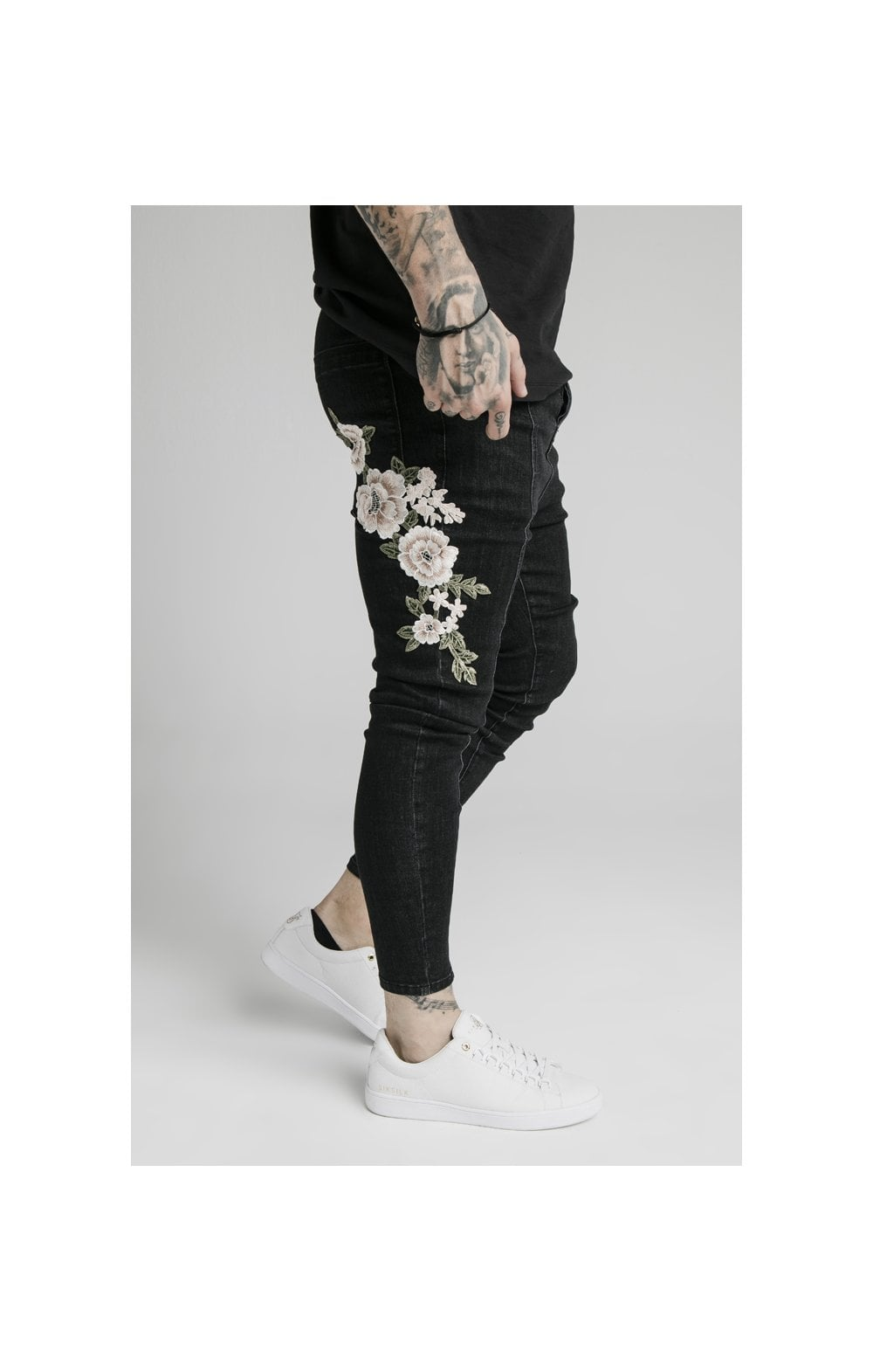 Charger l'image dans la galerie, SikSilk Drop Crotch Pleated Appliqu Denims - Black (3)