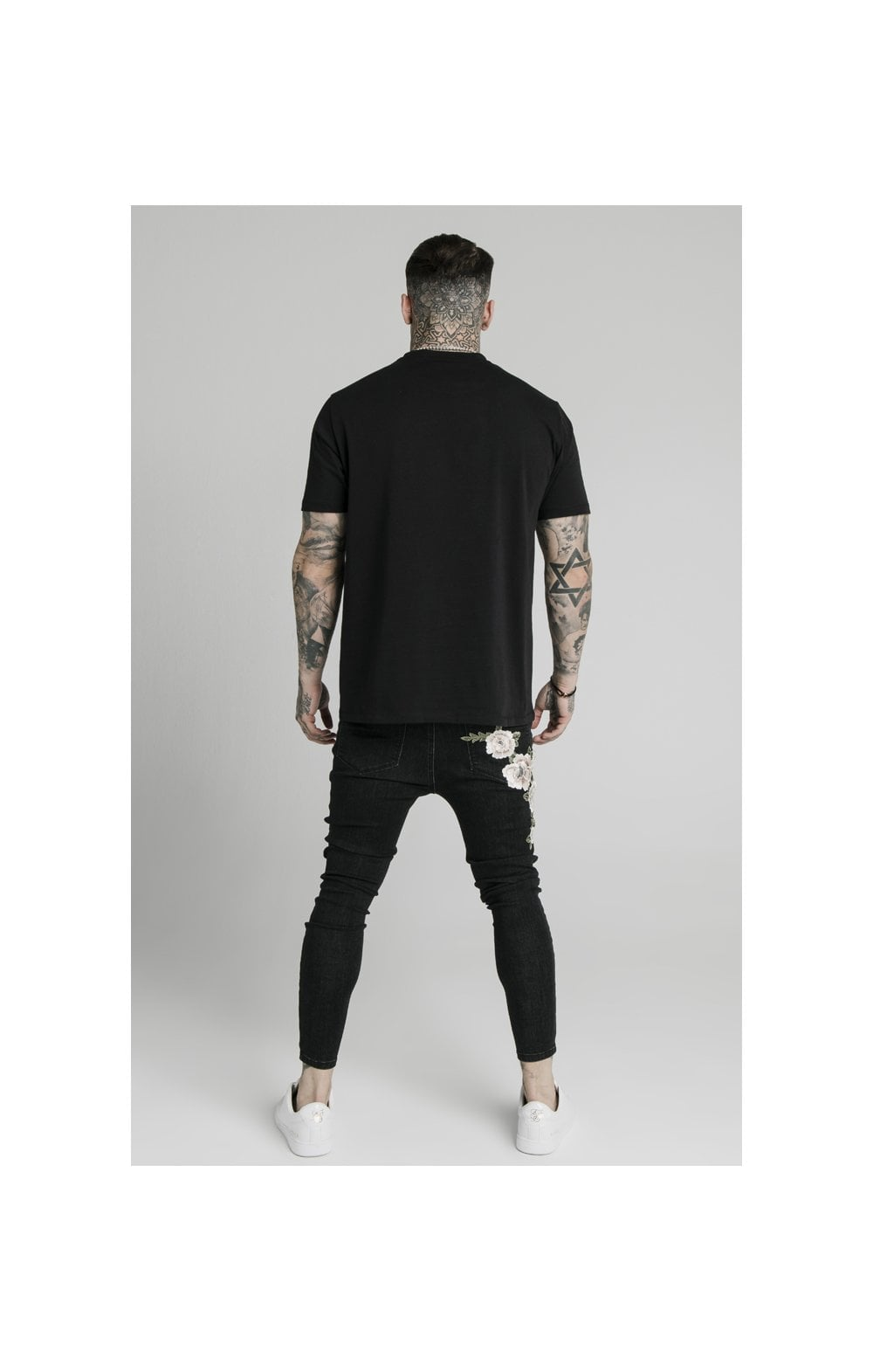 Charger l'image dans la galerie, SikSilk Drop Crotch Pleated Appliqu Denims - Black (4)