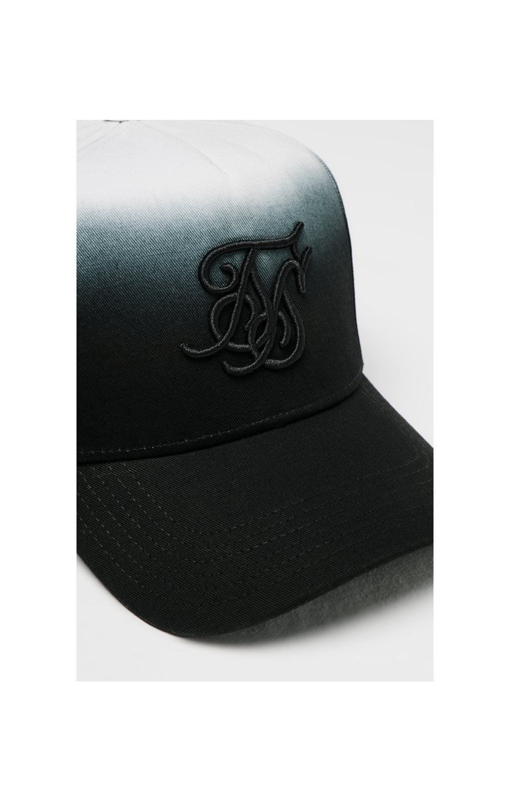 SikSilk Full Trucker - Black (1)
