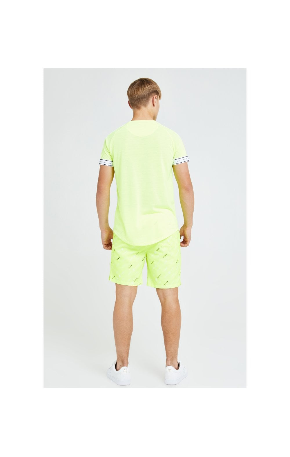 Charger l'image dans la galerie, Illusive London Fade Panel Tech Tee - Neon Yellow (5)