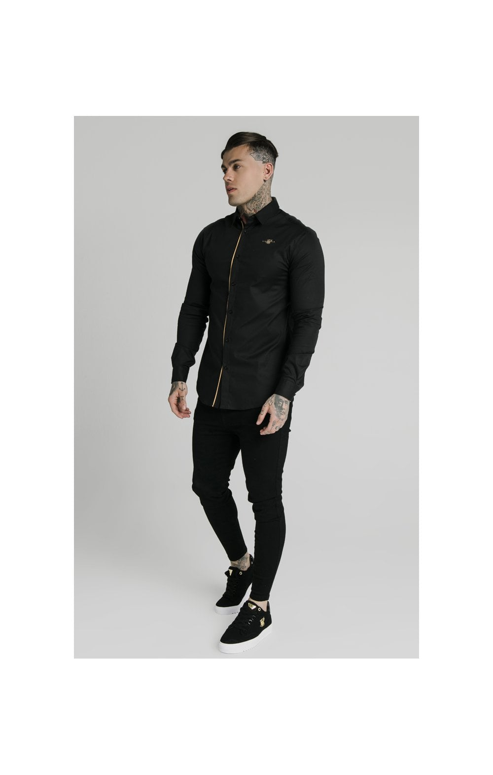Charger l'image dans la galerie, SikSilk L/S Fade Piping Shirt - Black & Gold (3)
