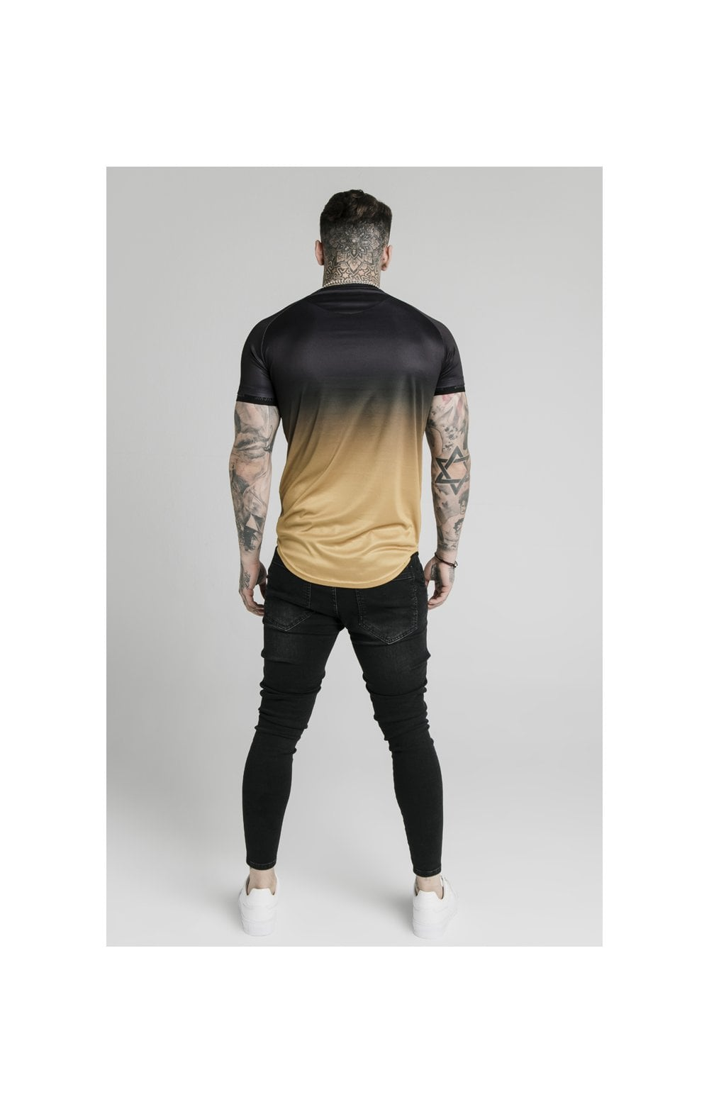 SikSilk S/S  Fade Tech Tee - Black & Gold (5)
