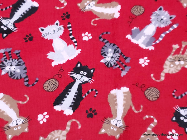 Flannel Fabric - Fuzzy Kitty on Red - By the yard - 100% Cotton Flannel