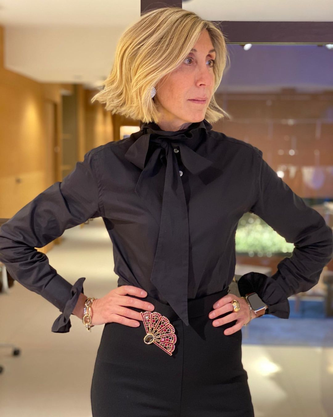 VICTORIA BLACK RUFFLED NECK-BOW SHIRT