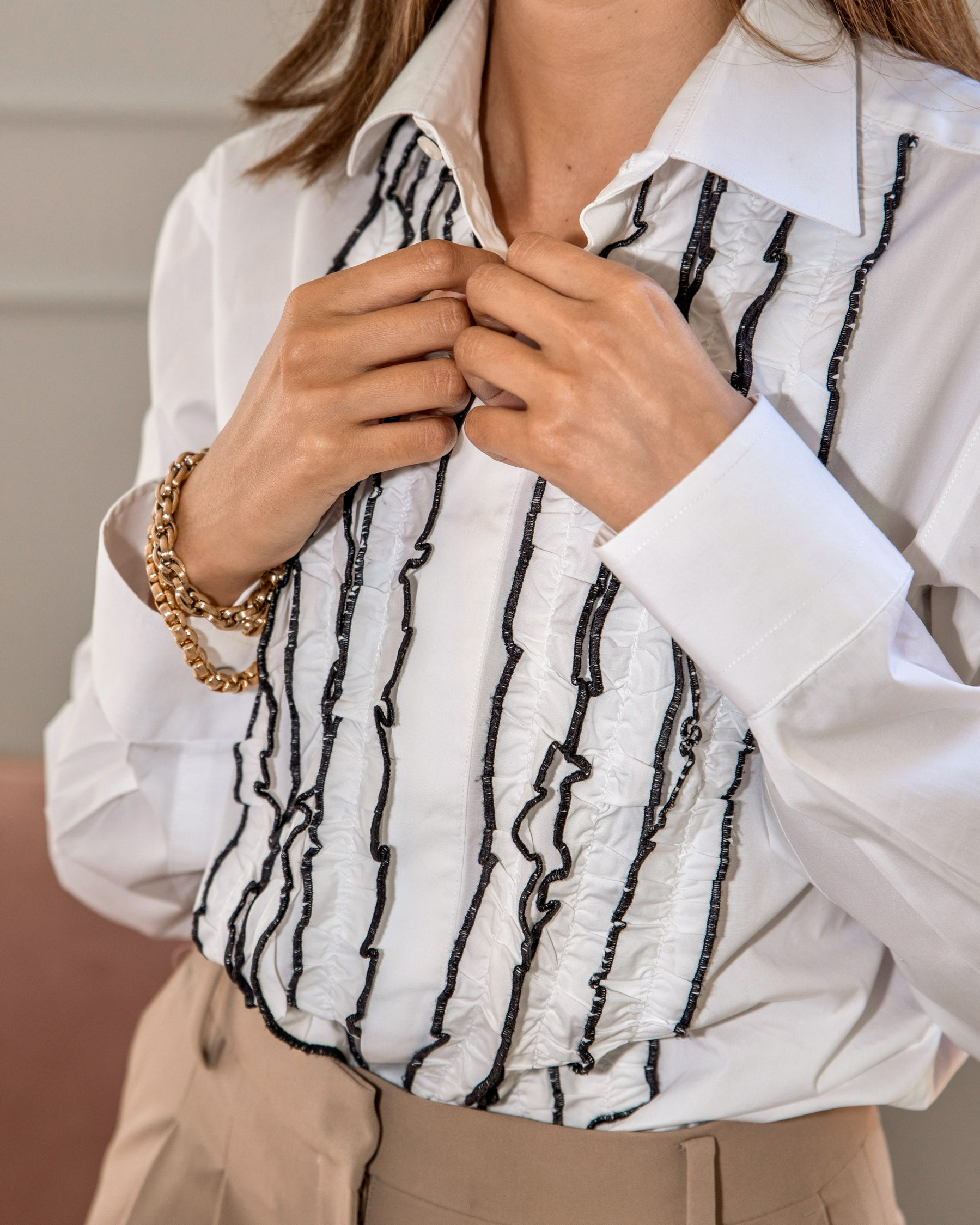 WOMEN'S MULTI-RUFFLED WHITE SHIRT