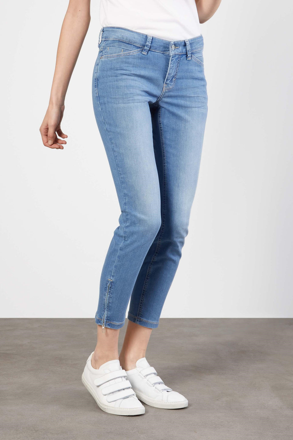 Dream Chic Authentic Jean with Zipper Details