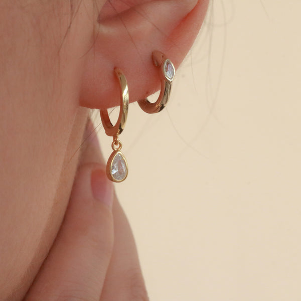 Small hoop earrings in 14k gold vermeil