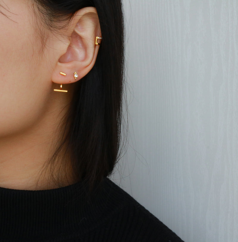 Meideya Jewelry - Gold vermeil thin bar stud earrings
