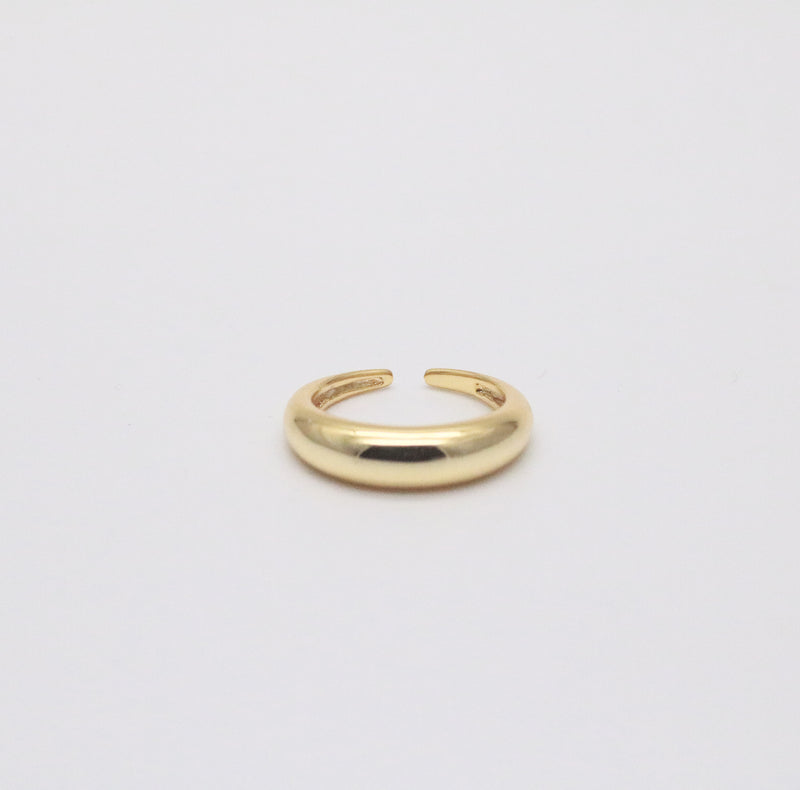 The mia ring in 18k gold plated sterling silver