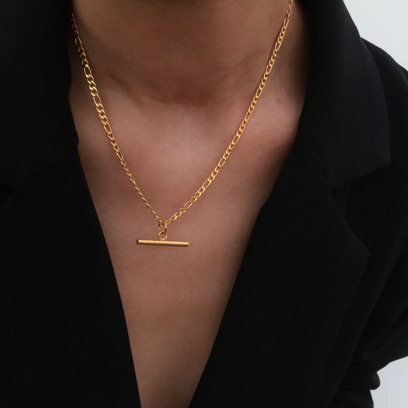 Figaro chain bar pendant necklace