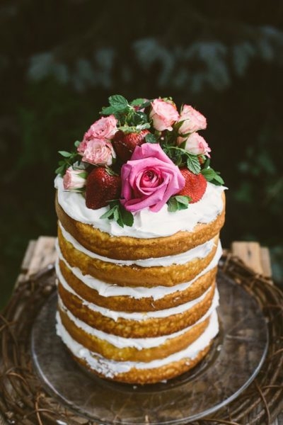 Photo by Suzuran Photography; Cake by McPherson Events and Design