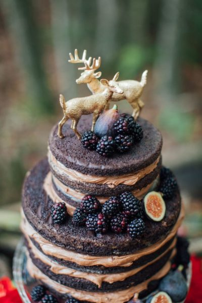 Photo by Artemis Photography; Cake by Love Bash Design
