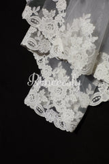 2 Layers Elbow Length Lace Wedding Veil