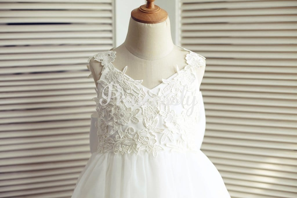 Ivory Lace Tulle V Back Wedding Flower Girl Dress with Big