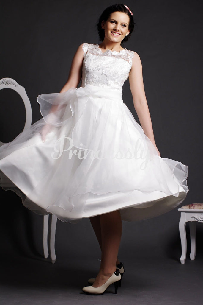 Lace Scoop Neck Tea Length Ball Gown Skirt Organza Wedding