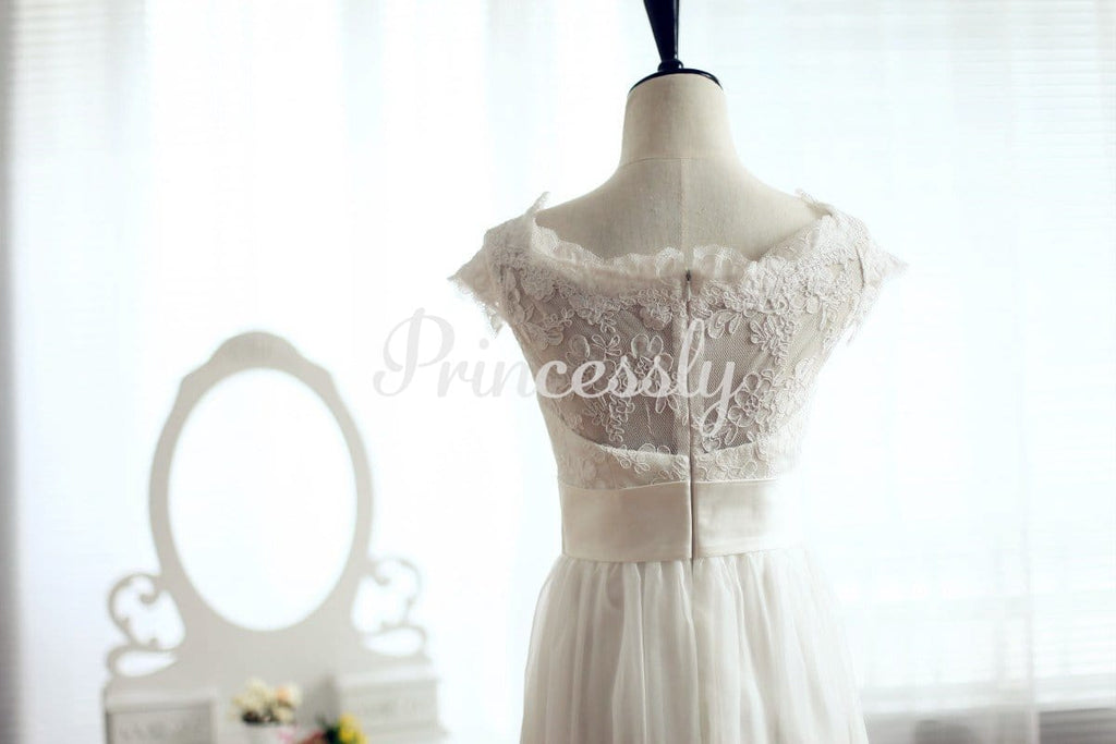 Scoop Neck Simple Lace Chiffon Wedding Dress with Cap