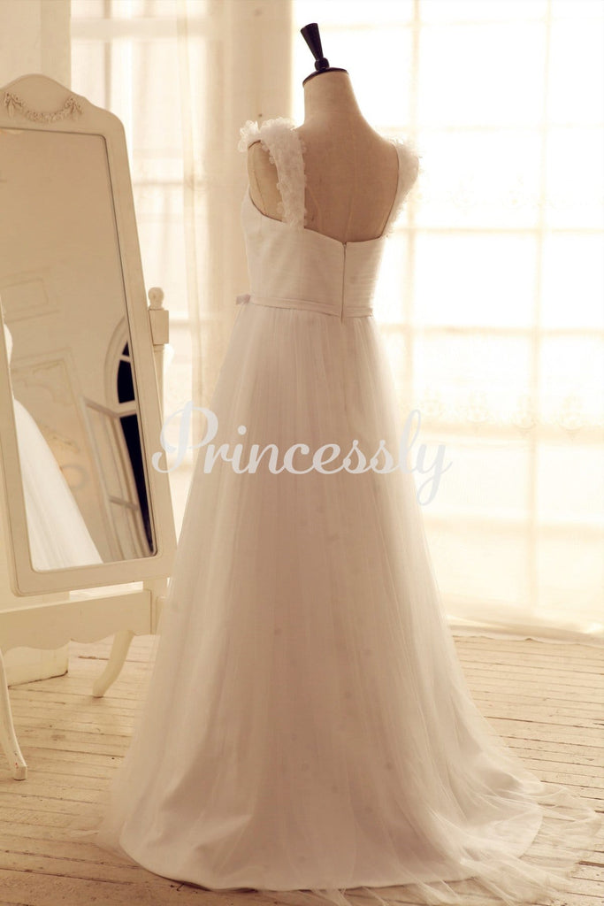 Tulle Wedding Dress Sweetheart Neck with flower Cap Sleeves
