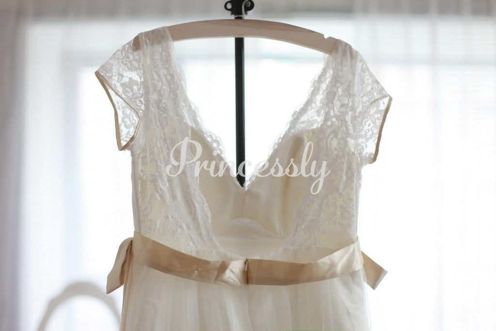 Vintage Inspired Lace Tulle Wedding Dress Deep V Back with