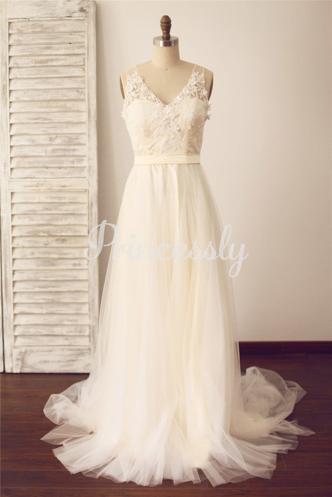 Vintage Sheer Illusion V Neck Lace Tulle Wedding Dress with