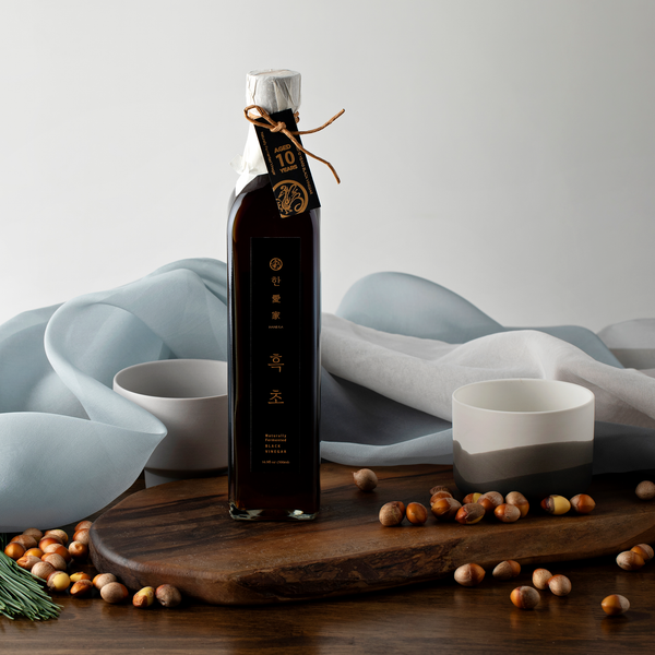 HANEGA BLACK 10-Year aged vinegar (showing bojagi and ingredients)