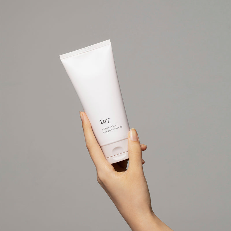CHAGA JELLY Low pH Cleanser (showing size)