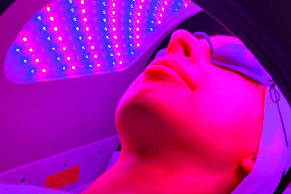 Dermalux Tri-Wave LED Light Therapy Course of 10+3 FREE (save €210)